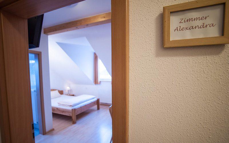 Doppelzimmer Alexandra in Erding. Pension Gästehaus Fischer.